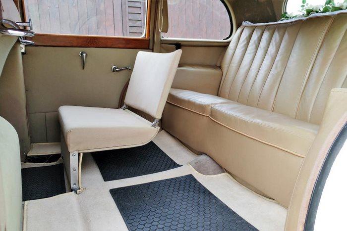 1949 Humber Pullman Interior