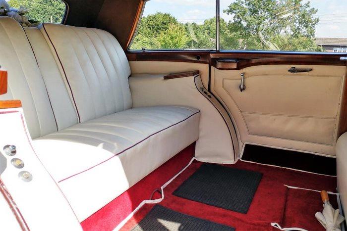 1953 Rolls-Royce Wraith Interior