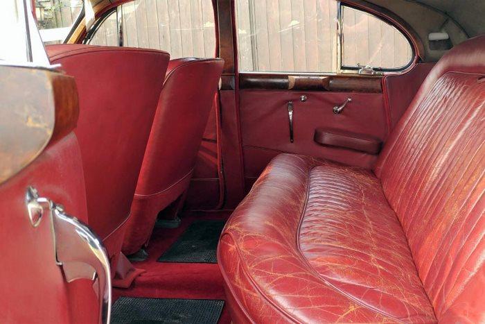 1954 Jaguar MK VII Interior