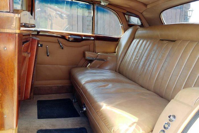 1954 Rolls-Royce Interior