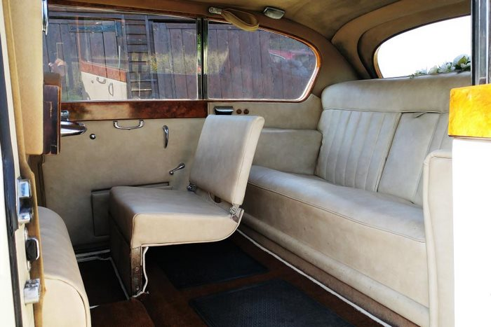 1958 Vanden Plas Princess Interior