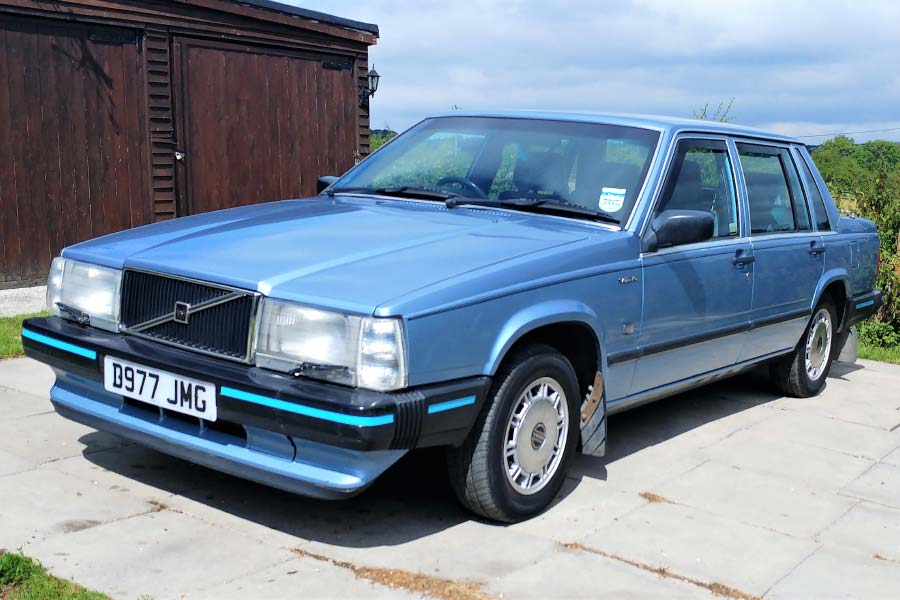 1987 Volvo 740 GLE Action Vehicle
